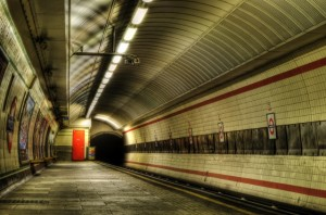 London Tube Station (640x424)